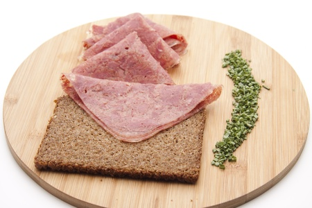 Jellied meat sausage with rye bread
