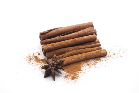Cinnamon sticks and powders with cinnamon star