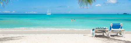 Photo pour Tropical beach paradise - image libre de droit