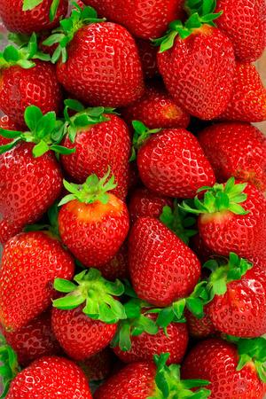 Photo pour Strawberries background - image libre de droit