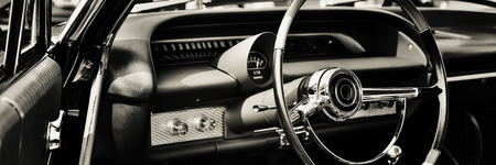 Photo pour Classic car photographed from driver side - image libre de droit