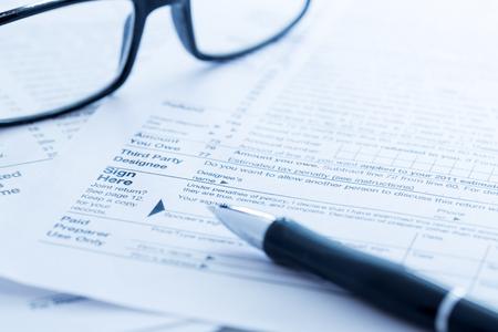 Photo pour Tax forms - image libre de droit