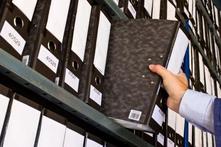 Photo pour Shelf with Folders for documents - image libre de droit