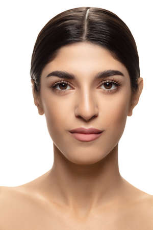 Photo pour Close-up. Portrait of beautiful jewish woman isolated on white studio background. Beauty, fashion, skincare, cosmetics, ad concept. Copyspace. Well-kept skin and natural fresh look. Healthy and shiny. - image libre de droit