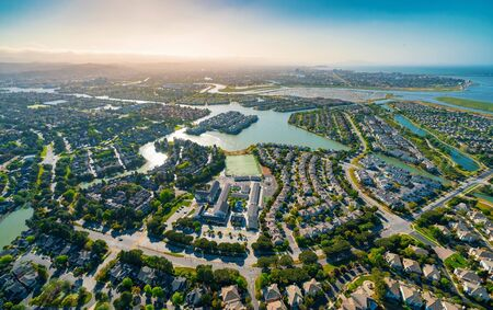 Photo pour Aerial view of residential real estate homes in Foster City, CA - image libre de droit