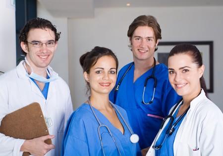 Photo pour medical doctors and nurses - image libre de droit