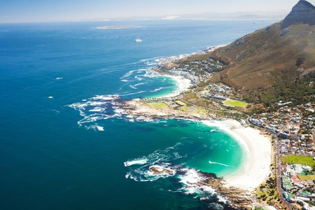Foto de aerial coastal view of Cape Town, South Africa - Imagen libre de derechos