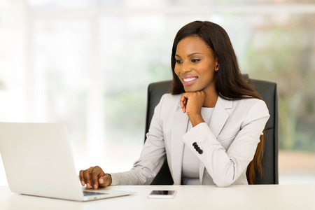 Photo for portrait of beautiful young african business woman in office - Royalty Free Image