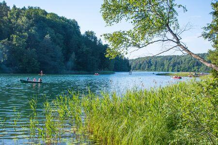 Foto de Summer at the lake, water sports, outdoor activities - Imagen libre de derechos