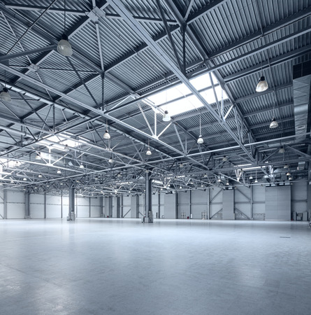 Photo pour Interior of empty warehouse - image libre de droit