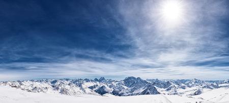 Photo pour View from the mount Elbrus, the northern Caucasus mountains, Russia - image libre de droit