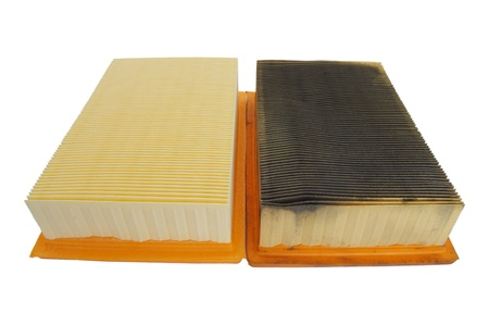 Photo pour comparing new and old car air filters - image libre de droit