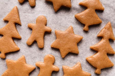Photo pour Various raw Christmas figures, ready for baking, closeup - image libre de droit