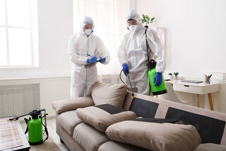 Photo pour Home disinfection by cleaning service, surface treatment from coronavirus, steam disinfection - image libre de droit