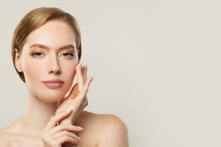 Photo pour Healthy woman portrait. Spa model girl with clear skin. Skincare, cosmetology and facial treatment concept - image libre de droit