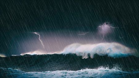 Photo pour thunderstorm in the sea with big waves and lightning - image libre de droit