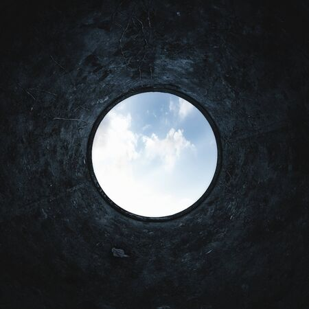 Photo pour Underground background of inside a scary water well - image libre de droit