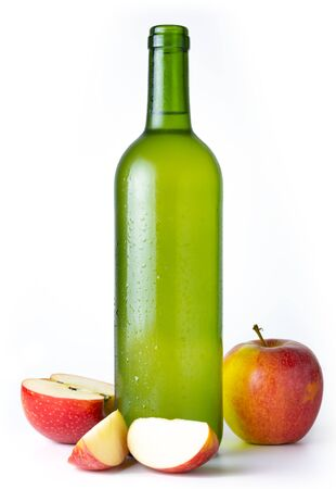 Photo pour Bottle of very cold cider with apples with white background - image libre de droit