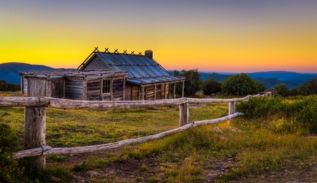 Foto de Sunset above Craigs Hut in the Victorian Alps, Australia - Imagen libre de derechos