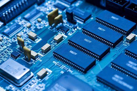 Photo pour Blue electronic circuit close-up - image libre de droit