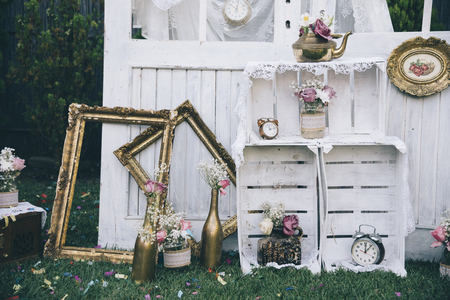 Foto de Vintage still life decoration for wedding reception. Marriage and love concept in retro style. Bridal arrangement. - Imagen libre de derechos