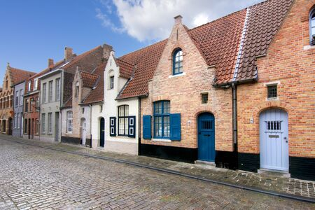 Photo pour Medieval streets of old Bruges, Belgium - image libre de droit
