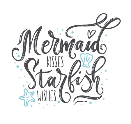 Illustration pour Mermaid kisses, starfish wishes with hand drawn sea elements and lettering. Summer quote with starfish, seashells, hearts and pearls. Summer t-shirts print, invitation, poster. - image libre de droit
