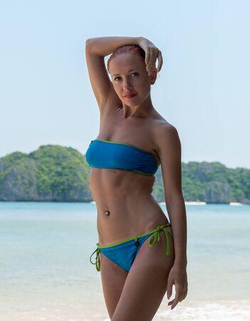 Photo pour Slim woman relax - image libre de droit