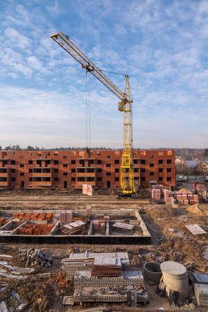 Photo pour Construction site at winter - image libre de droit