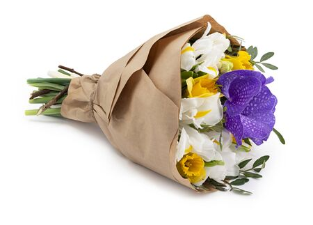 Photo pour Beautiful flowers bouquets wrapped in a craft paper as a gift. Isolated on white background with shadow - image libre de droit