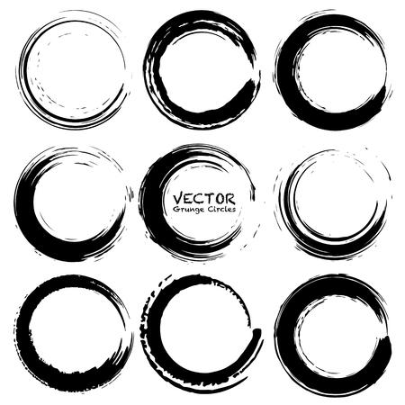 Illustration pour Set of grunge circles, Grunge round shapes, Vector illustration. - image libre de droit