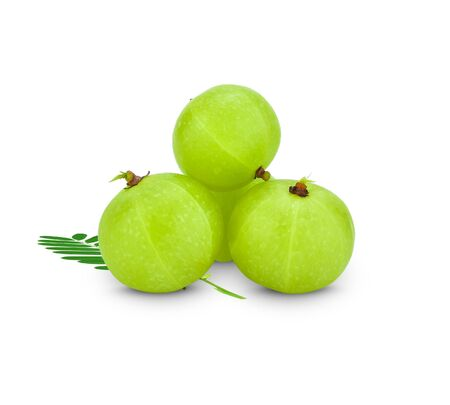 Photo pour Amla green fruits ,Phyllanthus emblica isolated on white background. This has clipping path. - image libre de droit