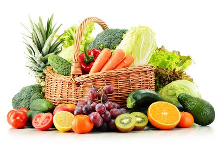 Foto für Wicker basket with groceries isolated on white background - Lizenzfreies Bild