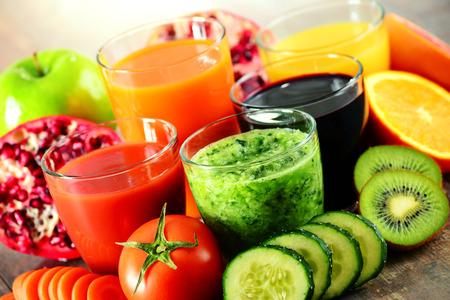 Foto für Glasses of fresh organic vegetable and fruit juices. Detox diet. - Lizenzfreies Bild