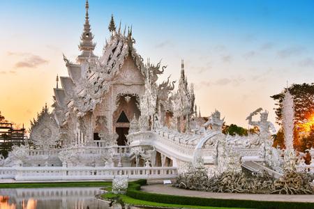Foto für Wat Rong Khun or the White Temple, a Buddhist temple in Chiang Rai, Thailand - Lizenzfreies Bild