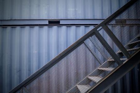 Photo pour Staircase of the container house at thailand - image libre de droit