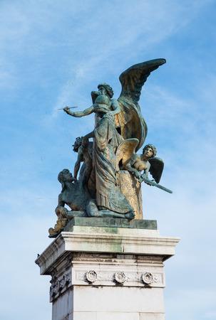 Foto de Statue front Altare della Patria in Rome Italy - Imagen libre de derechos
