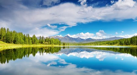 Photo pour Beautiful lake in Altai mountains - image libre de droit