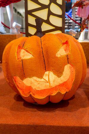 Foto de Scary halloween pumpkin head jack o lantern with light - Imagen libre de derechos