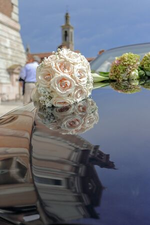 Foto de A beautiful bridal bouquet at a wedding party. Wedding concept - Imagen libre de derechos