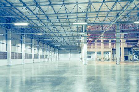 Photo pour Empty factory use for background, night scene. - image libre de droit