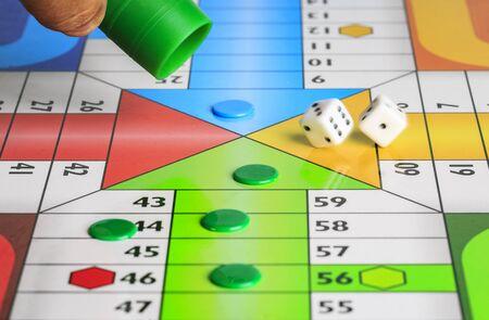Photo pour Typical spanish board game parchis - image libre de droit