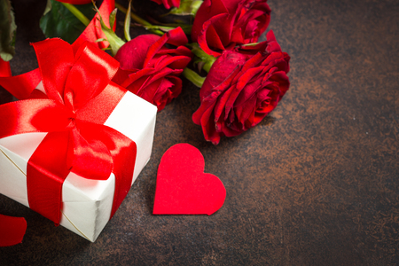 Photo pour Holiday background with Valentine, present and flower. - image libre de droit