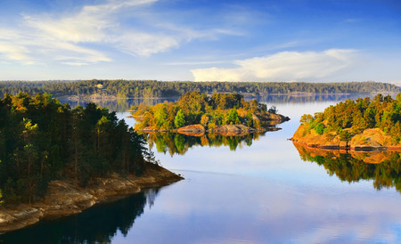 Photo pour Stockholm Archipelago on the Baltic Sea in the morning - image libre de droit
