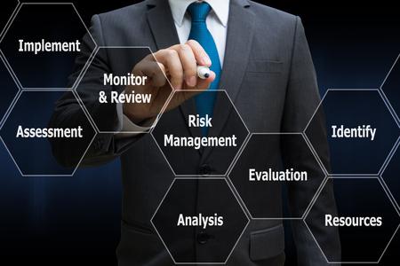 Photo pour business man drawing the panel of icon polygon interface of risk management , business concept - image libre de droit