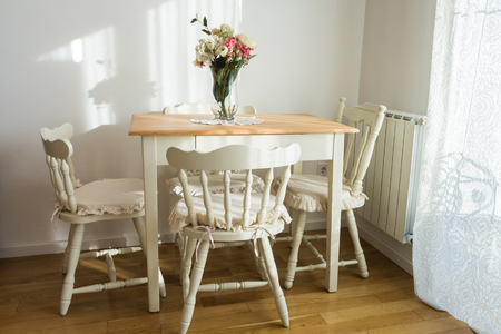 Photo pour Nicely decorated living ( lunch ) room. Dining table and some chairs. - image libre de droit