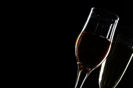 Photo pour glass of red, rose and white wine over black background. Wine card menu design. Closeup of wineglasses with luxury wines for wine tasting - image libre de droit
