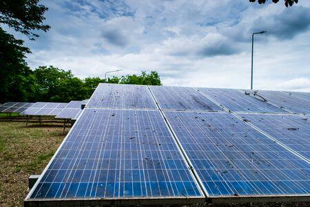 Photo pour Solar cell panels new alternative electric energy - image libre de droit
