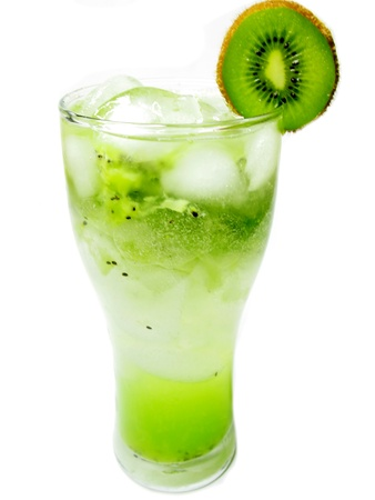 green juice smoothie cocktail drink with ice and mint