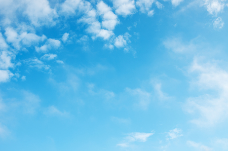 Photo pour White clouds in blue sky. - image libre de droit